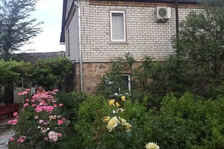 Двухэтажный дом с русской баней - Архипо-Осиповка