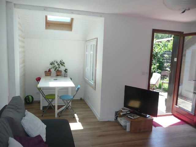 Petite maison entre lac et montagne - Neuvecelle - Haus