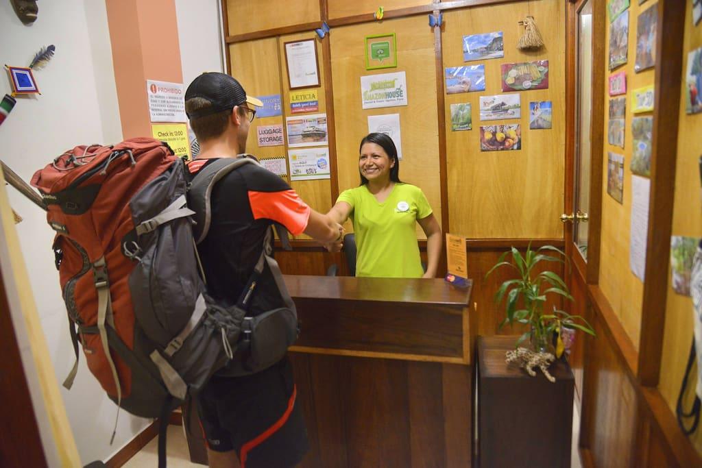 Receive a warm welcome in Iquitos / Recibe una cálida bienvenida en Iquitos