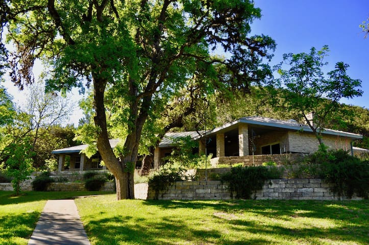 Entire Home at Paradise Springs Ranch-New Listing