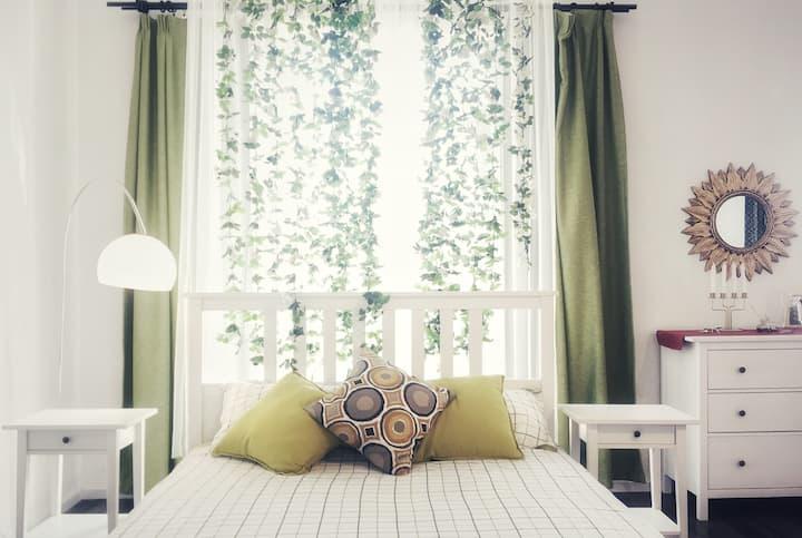 Alice'sMemory【爱丽丝忆梦】别墅顶层套房-在白玫瑰的瀑布下,舒适地睡去,白裙化作翅膀