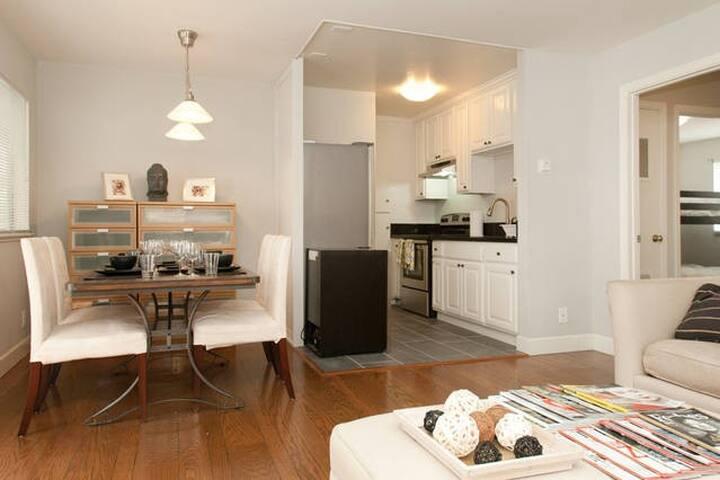 2 Bedroom w/ 3-4 Beds in Downtown - Berkeley - Appartement