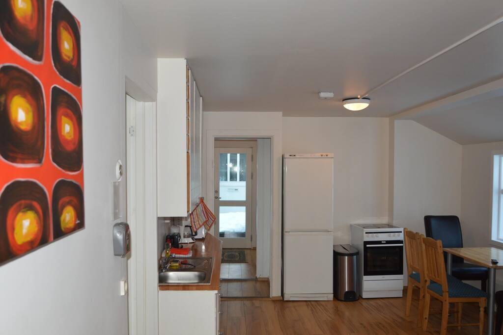 Common area/kitchenette