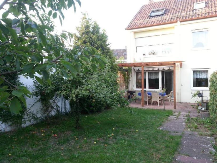 haus in roth bei n rnberg space near nuremberg houses. Black Bedroom Furniture Sets. Home Design Ideas