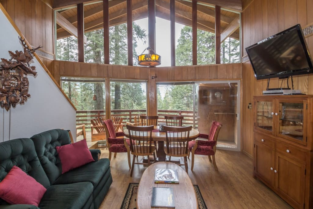 Cub 39 s cabin inside the gates of yosemite park houses for Cabins inside yosemite national park