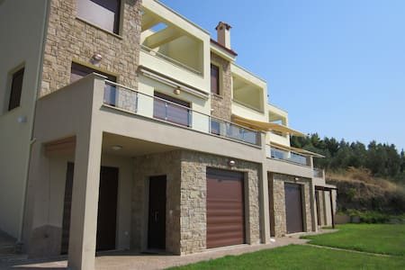 Apartment with garden and sea view! - Chalkidiki - Hus