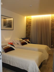 Bway Guest House- Quarto triplo - Barcelos / Braga - Bed & Breakfast