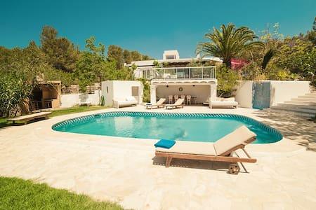 Sunny Ibiza Villa - Sant Antoni