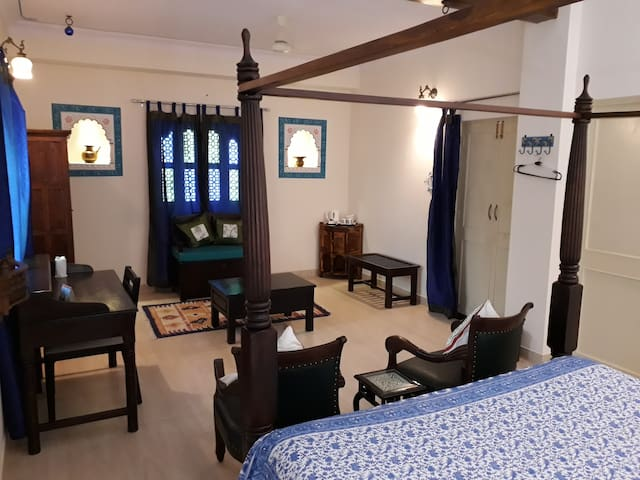 JASWANT NIWAS- Private Suite+Breakfast in Jodhpur