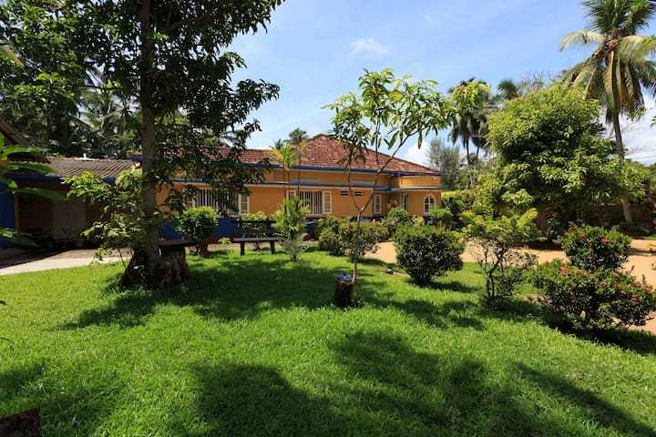 Seaside villa off the beaten track - Maggona Western Province - Pousada