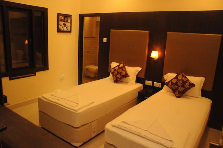 ★★Private 5 Star Peaceful Retreat in Varanasi★★