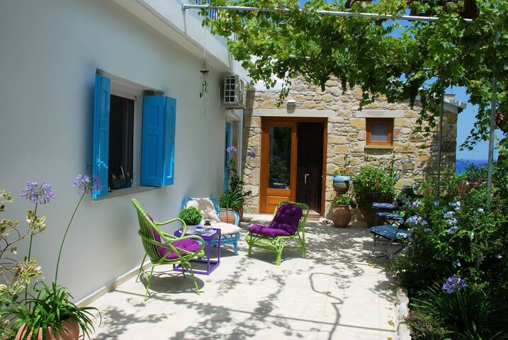 Traditional house, Kissamos, Crete - Drapanias - Huis