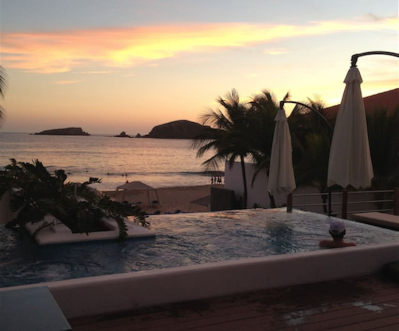 Beautiful view from the beach club jacuzzi