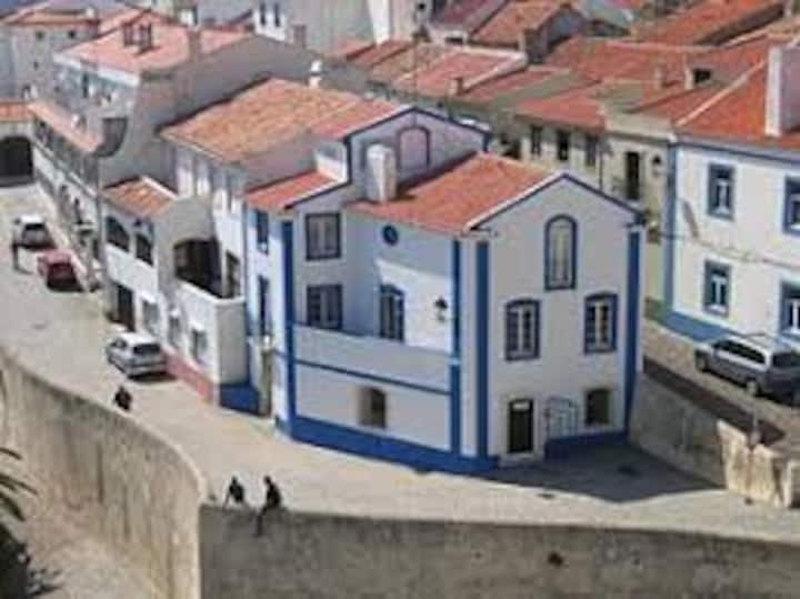 "Under ""BLUE DREAM"" -Casa do Centro 111737/AL"