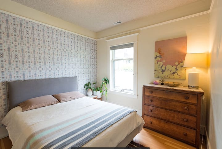 Beautiful Bedroom in Queen Anne