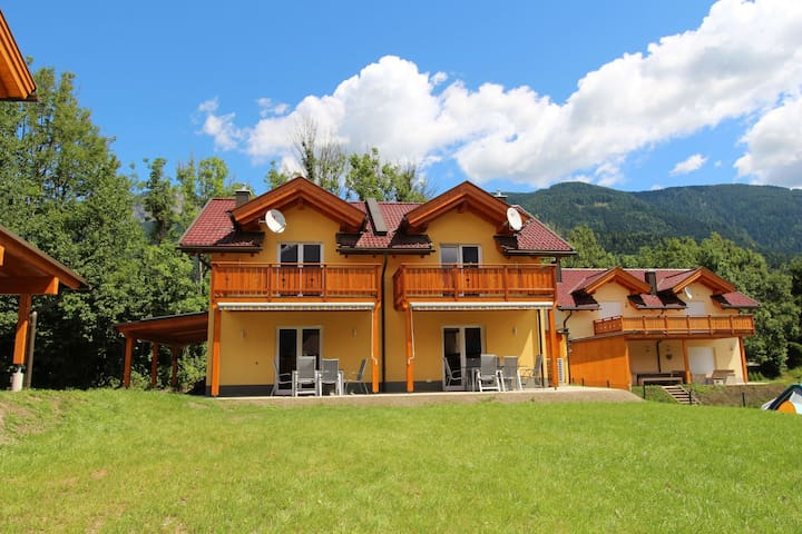 Chalet exclusif avec terrasse privée à Kötschach-Mauthen