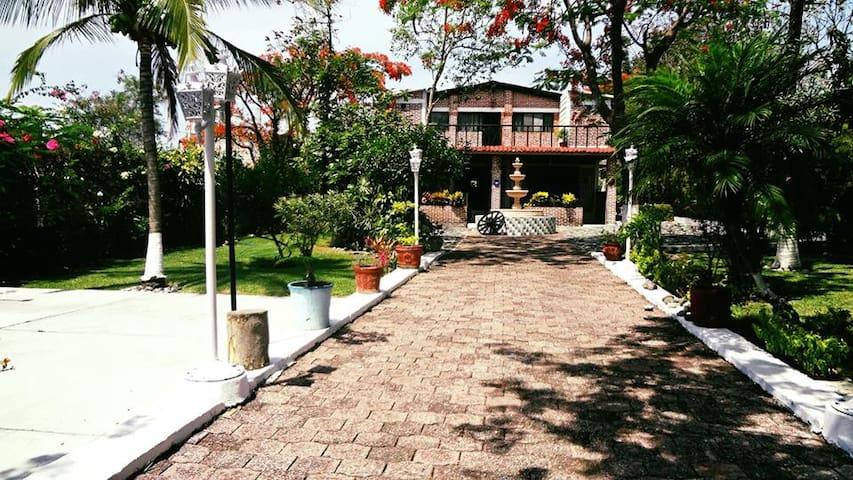 Quinta Caro, Villa para 25 Personas Oasis Yautepec