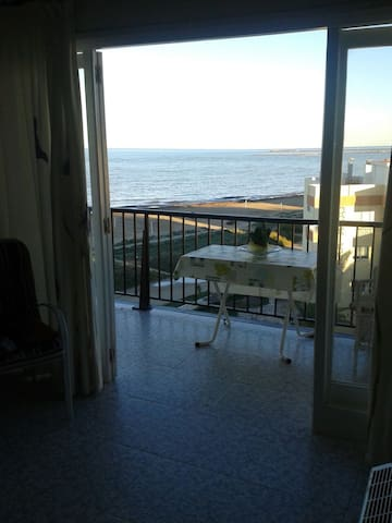 Apartamento entero a pie de playa de Dénia. - Denia - Apartamento