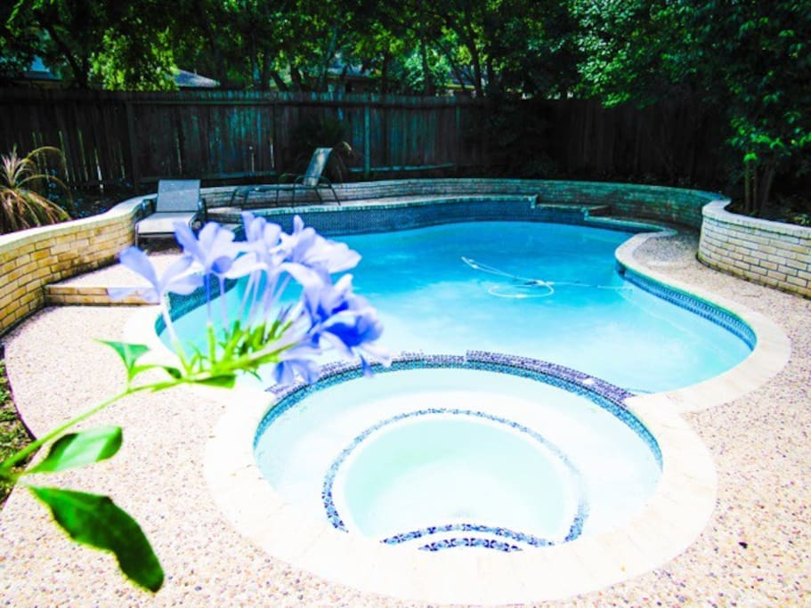 Your own private, tropical oasis!