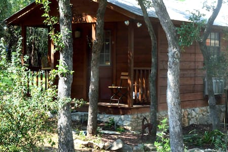 Sterling Hawk Retreat-Romantic Cabin Getaway