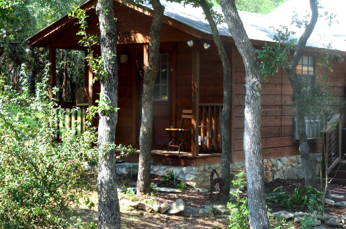 ... Charming And Romantic Private Cabin On Almost 3 Acres Of Woodland In  The Texas Hill Country