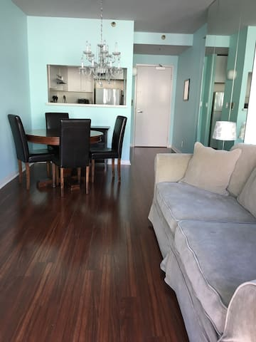 Large Stylish Studio in the heart of SoMa