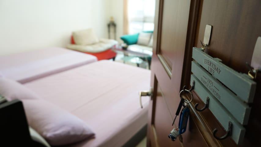 賴家 Lai's house *4-5人房* 免費停車/乾淨舒適/交通便利/家庭/團體出遊
