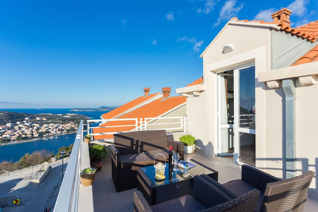 Beautiful sea view Mimi Apartment - Apartments for Rent in