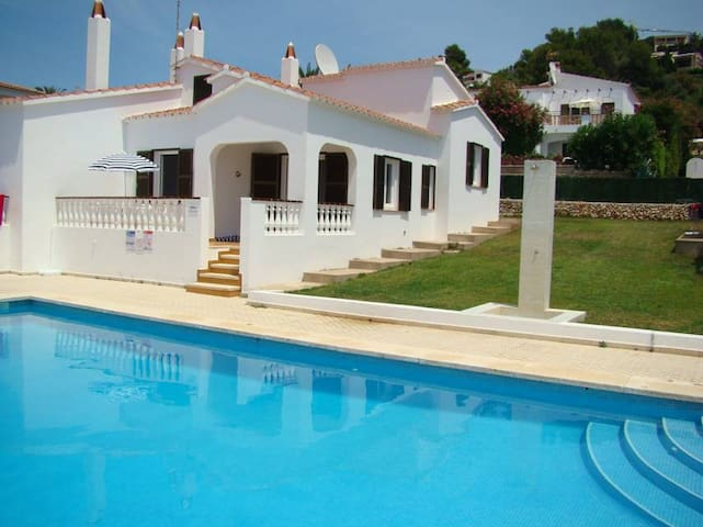 Family-friendly villa with pool - Villa Sud
