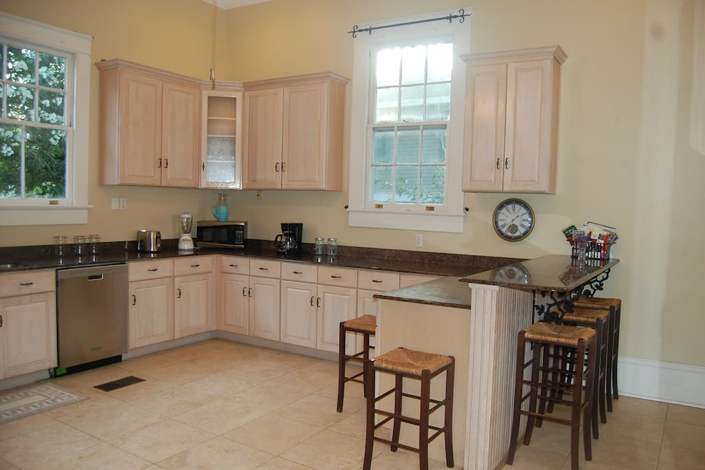 Lots of natural light in the kitchen!