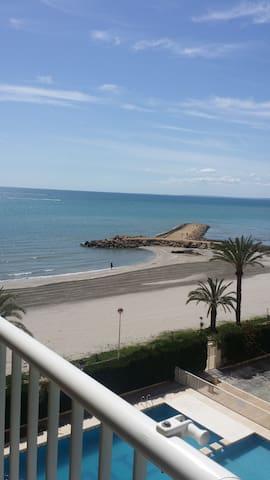 ¡Vistas excepcionales al mar! A pie de playa. - Santa Pola - Loft