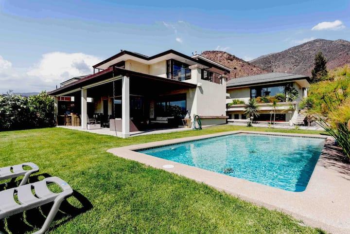 LuxBIG HOUSE &GARDEN LAS CONDES-No necesitas salir