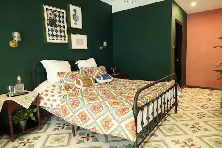 江畔民宿-丛前 美式 复古 轻奢 高级大床房