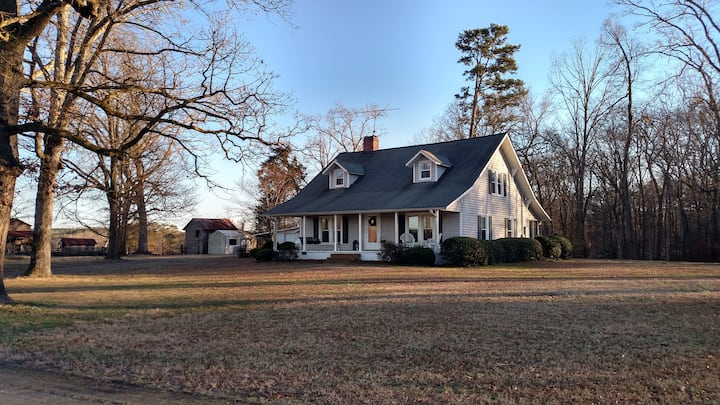 The Homestead, a 1927 Renovated Farmhouse