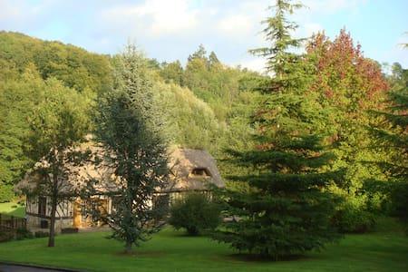 Charmante chaumière près d'Honfleur - Triqueville - Casa