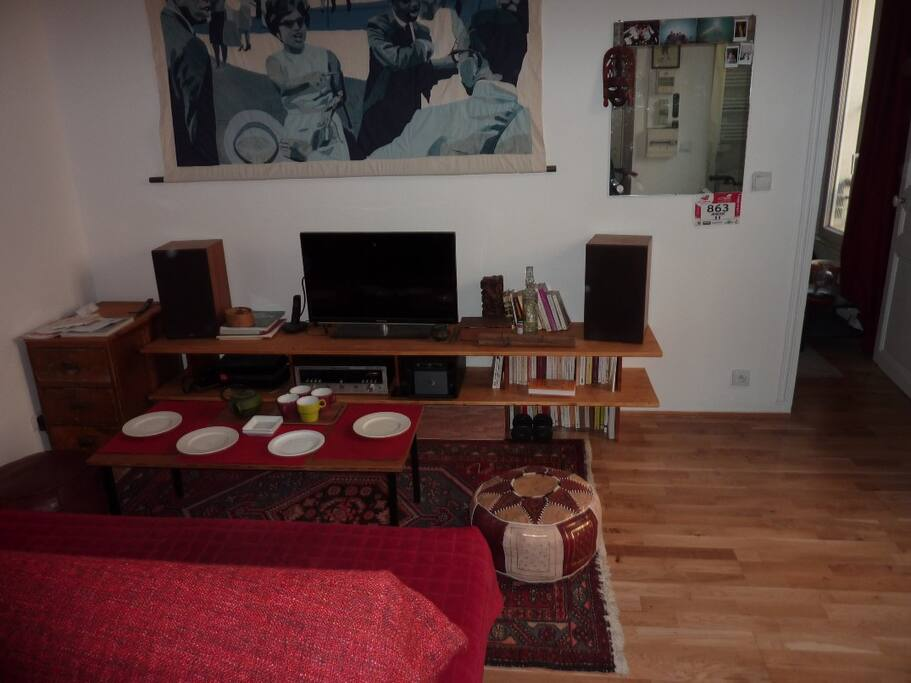 Salon salle à manger agréable, TV chaine hifi, PC, internet wifi.