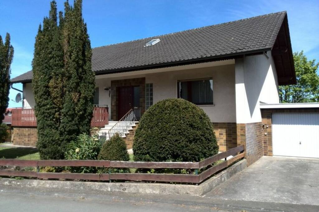 villa met besloten tuin sauna tafeltennisruimte villas for rent in frankenau hessen germany. Black Bedroom Furniture Sets. Home Design Ideas