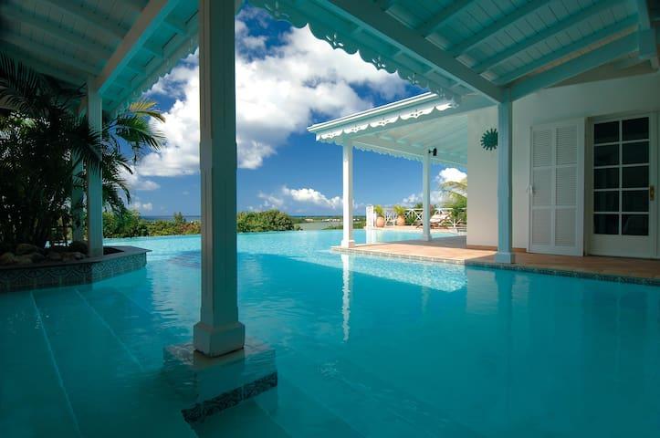 La Josephine - Beautiful large villa - Terres Basses, Saint Martin - Casa de campo