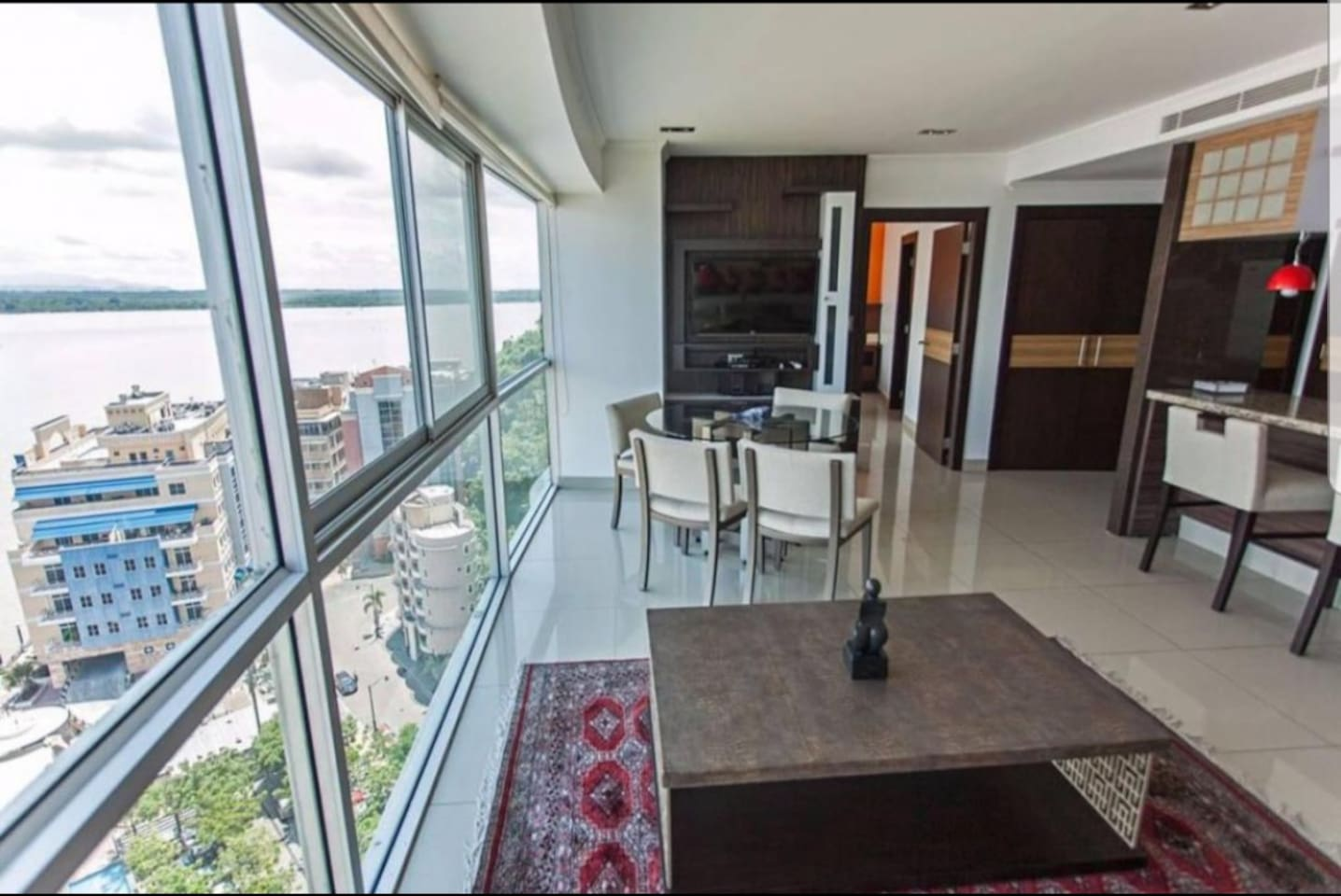 Luxury Penthouse Dept, 2.5  Bathrooms, 2 Bedrooms with fantastic river views