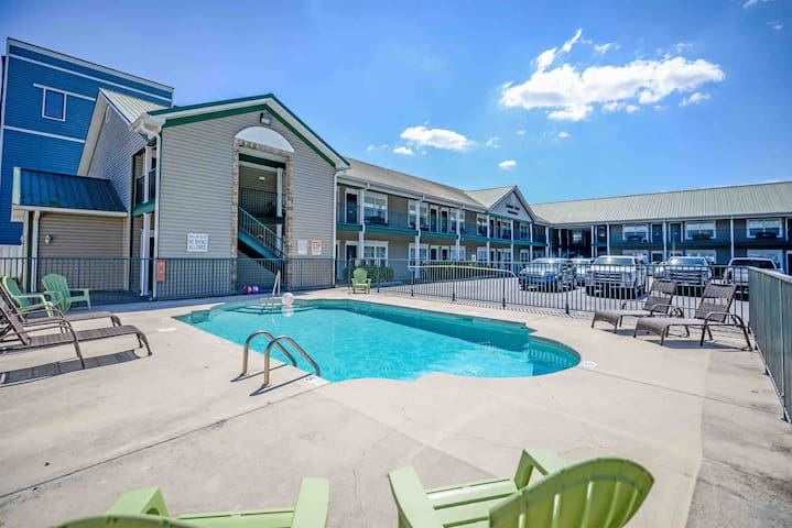 Foothills Retreat Condo *AUG/SEPT/OCT* Dates Avail