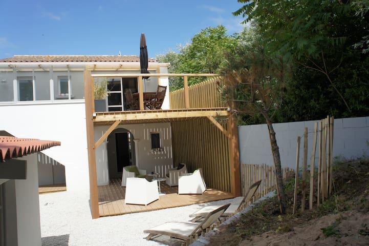 Superbe villa entièrement rénovée - La Tranche-sur-Mer - Casa de camp