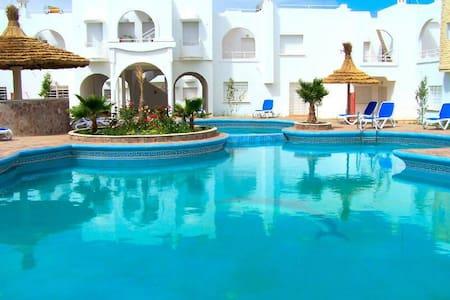 Beau  duplex  avec  piscine - Sidi Bouzid