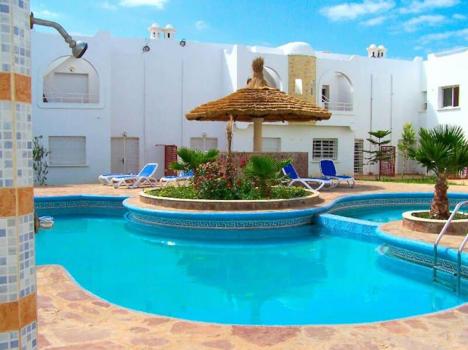 Beau duplex avec piscine maisons louer sidi bouzid for Appartement a louer a sidi bouzid avec piscine