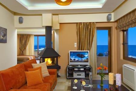 Maistros Exclusive Suites /Rethymno - Ρέθυμνο - Bed & Breakfast