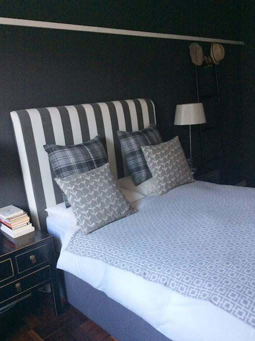 Bedroom: Sophisticated and luxurious