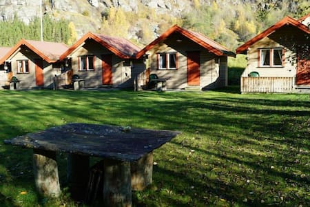 Cabin 1 - Aurland Valley - sleeps 4 - Aurland