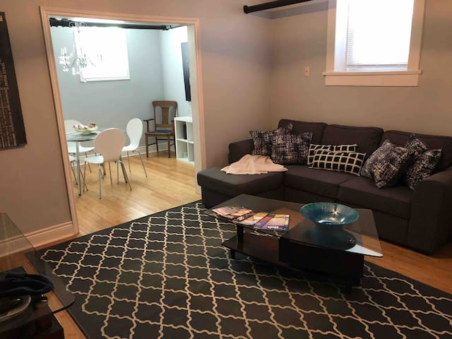 Fully Furnished Condo in the Heart of Downtown