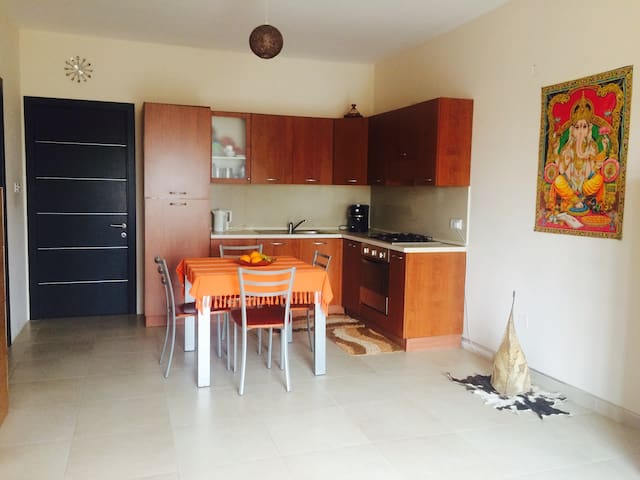 Double Room- 5 min walk from sea - Marsaskala - Wohnung
