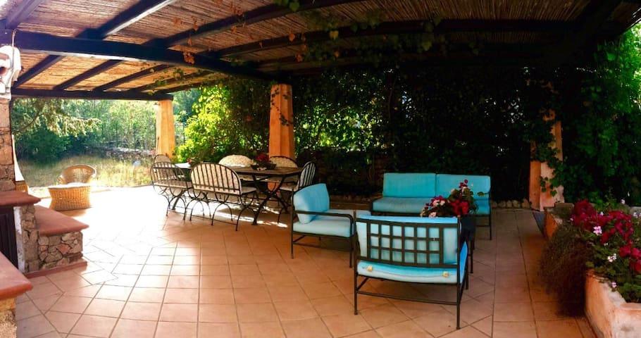 Villa Chalet Cala Ginepro - Punta Molara - House