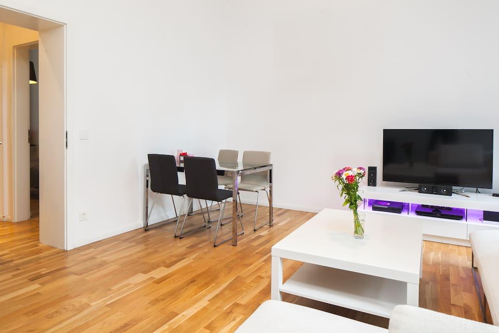 Living Room  / Essecke
